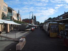 Setting up Heemskerk Friday Market